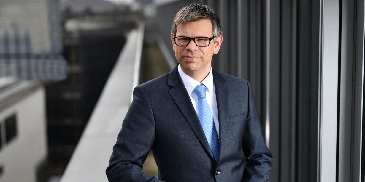 Dr. Markus Contzen ist Partner der h&z Unternehmensberatung und berät sowohl Unternehmen im Besitz von Finanzinvestoren als auch klassische Mittelständler. Foto: Joerg Koch / sternthaler