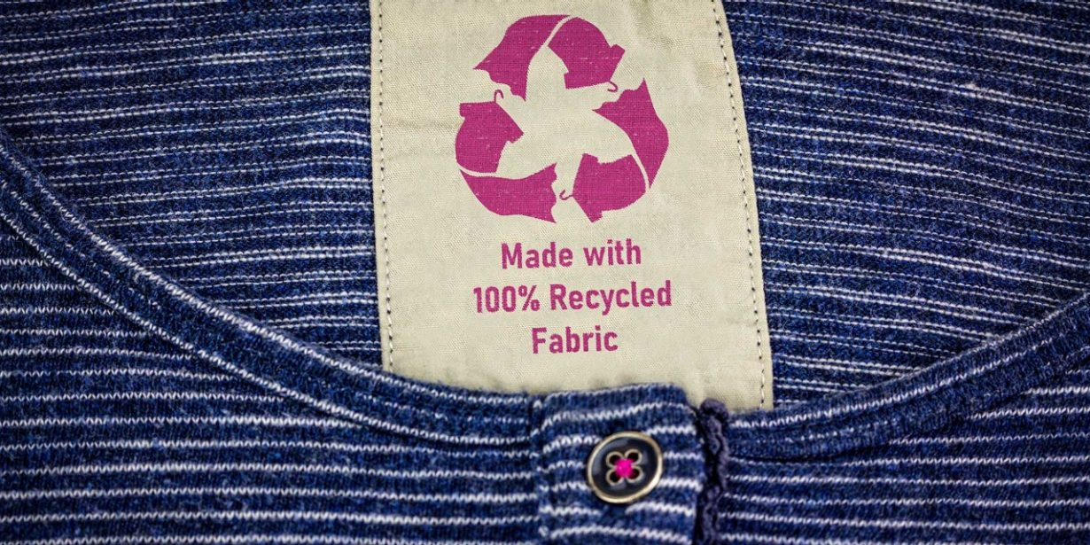 Shirt mit recycle-patch
